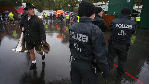 Erhöhte Sicherheitsvorkehrungen (Bild: APA/dpa/Karl-Josef Hildenbrand)