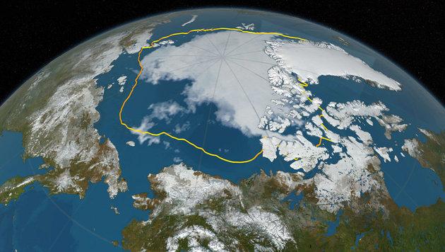 """Die gelbe Linie zeigt das durchschnittliche Minimum des Arktiseises zwischen 1981 und 2000. (Bild: NASA Goddard""""s Scientific Visualization Studio/C. Starr)"""