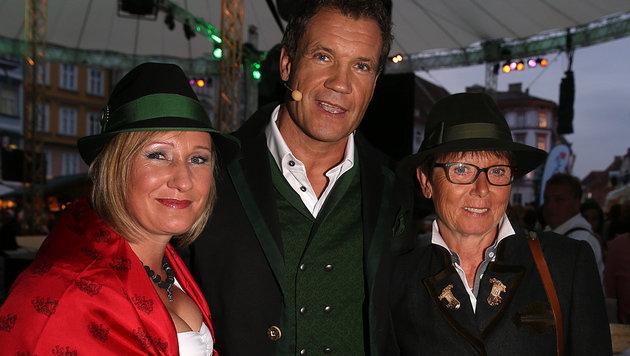 """Semi-Steirer"" Armin Assinger mit Renate Götschl (li.) und Annemarie Moser-Pröll (Bild: Sepp Pail)"