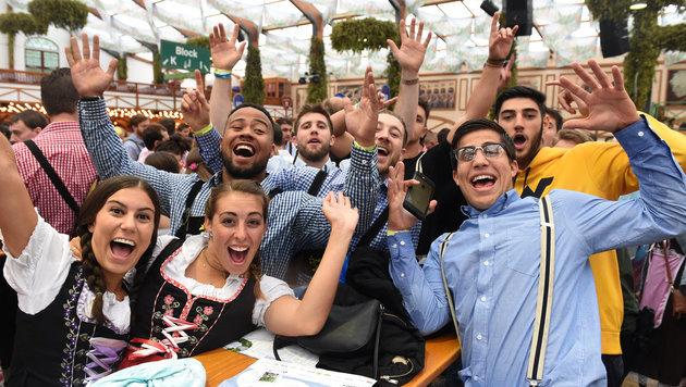 'O'zapft is': 183. Münchner Oktoberfest eröffnet (Bild: APA/dpa/Felix Hšrhager)