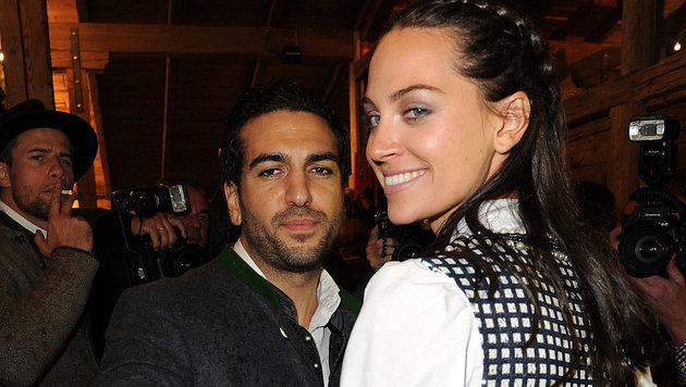 Elyas M'Barek mit seiner steirischen Freundin Julia (Bild: babiradpicture/Christian Stiefler)