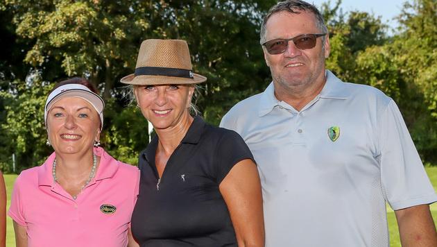 Golften für den guten Zweck: Maria Böhm (Gruber Golfreisen), Andrea Fendrich und Rudolf Fuchs (Bild: Ronald McDonald Kinderhilfe)