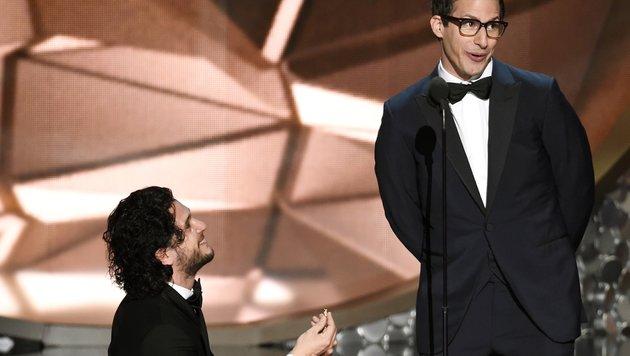 Kit Harington, Andy Samberg (Bild: Chris Pizzello/Invision/AP)
