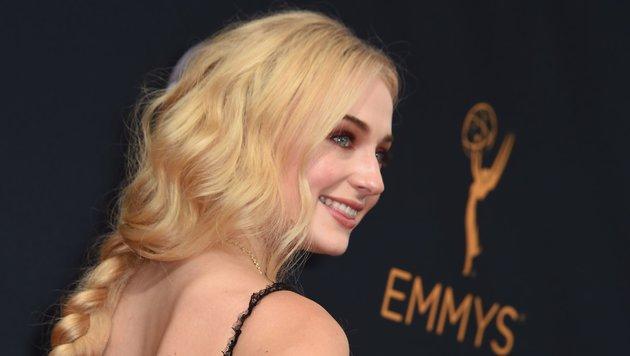 """""""Game of Thrones""""-Star Sophie Turner bei der Emmy-Preisverleihung (Bild: AFP)"""