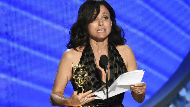 """""""Veep""""-Star Julia Louis-Dreyfus gewinnt den Emmy als beste Drastellerin in einer Comedyserie. (Bild: Chris Pizzello/Invision/AP)"""
