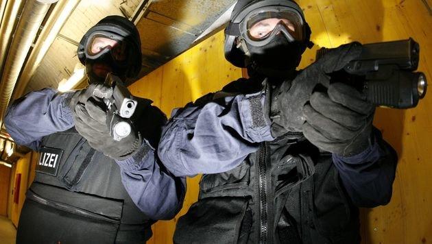 Aufmerksame Zeugin vereitelt Einbrechern die Tour (Bild: APA/Hans Klaus Techt (Symbolbild))