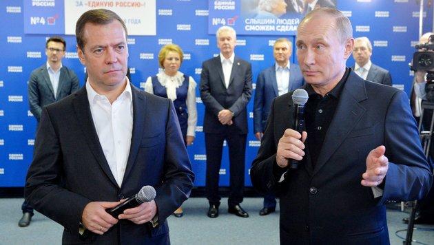 Regierungschef Dmitri Medwedew und Präsident Wladimir Putin (Bild: APA/AFP/Sputnik/Alexei Druzhinin)