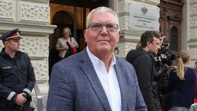 Edwin Benko, der Leiter des Kriseninterventionsteams, vor dem Grazer Straflandesgericht (Bild: Christian Jauschowetz)