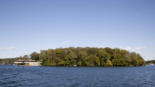 Privatinsel im Lake Mahopac im US-Bundesstaat New York, die Brangelina gehören soll. (Bild: Viennareport)