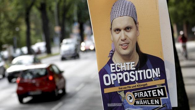 Wahlplakat für die Berlin-Wahl (Bild: ASSOCIATED PRESS)