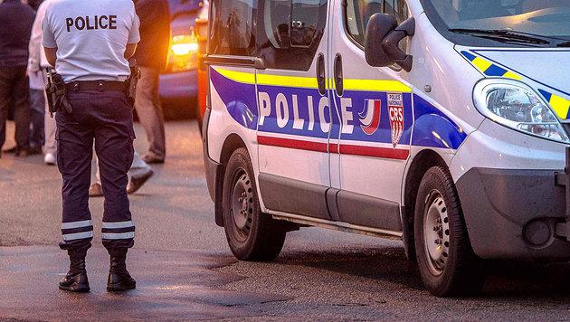 Belgische Polizisten in Frankreich verhaftet (Bild: APA/AFP/PHILIPPE HUGUEN (Symbolbild))
