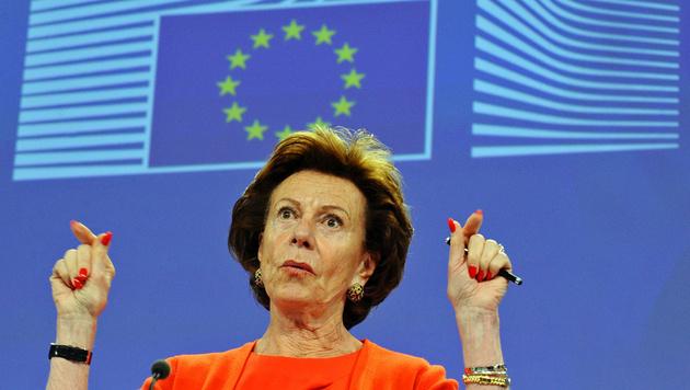 Ex-EU-Kommissarin Neelie Kroes hat Erklärungsbedarf. (Bild: APA/AFP/JOHN THYS)