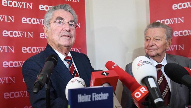 Fischer mit Journalistenlegende Hugo Portisch, der das Nachwort geschrieben hat (Bild: APA/HELMUT FOHRINGER)