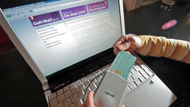 Einen ersten E-Voting-Versuch hatte es 2009 bei den ÖH-Wahlen gegeben. (Bild: APA/GEORG HOCHMUTH)
