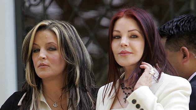 Lisa Marie und ihre Mutter Priscilla Presley im Jahr 2006 (Bild: TIM SLOAN / AFP / picturedesk.com)