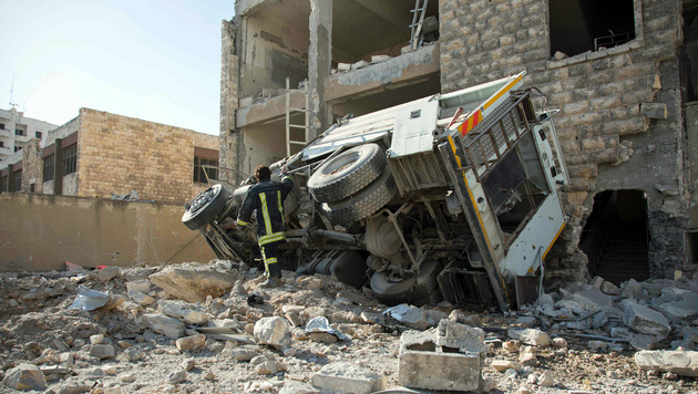 Waffenruhe gescheitert: Aleppo im Bombenhagel (Bild: APA/AFP/Karam Al-Masri)