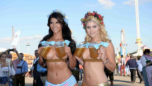 Micaela Schäfer und ihre Freundin sind zu nackt für die Wiesn! (Bild: babiradpicture/BenFesl)