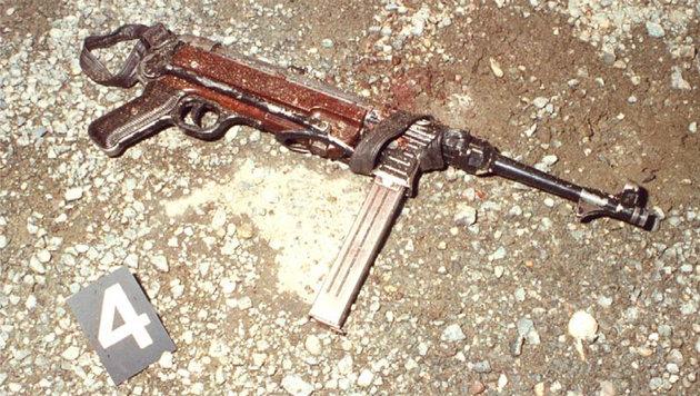 """Schwer bewaffnet ging die """"Leitnerbande"""" ans Werk. (Bild: IPA Tirol)"""