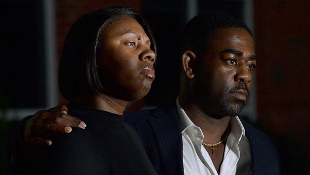 Verwandte von Keith Lamont Scott bei einer Trauerfeier (Bild: AP)