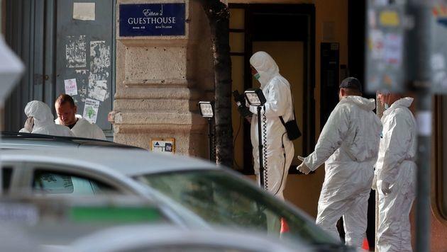Budapest: Rätseln um Explosion eines Sprengsatzes (Bild: APA/AFP/FERENC ISZA)