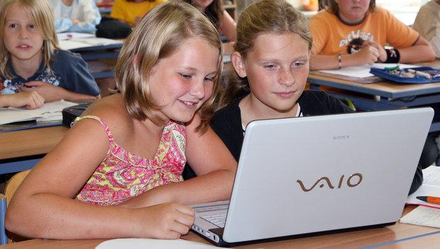 Laptop-Kaufpflicht für Schüler sorgt für Empörung (Bild: PETER TOMSCHI)