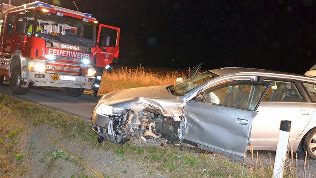 Alko-Lenker verursacht Frontalcrash: 5 Verletzte (Bild: APA/STEFAN MAYER)
