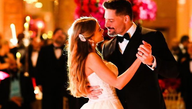 Sofia Vergara beim Hochzeitstanz mit Joe Manganiello (Bild: Viennareport)