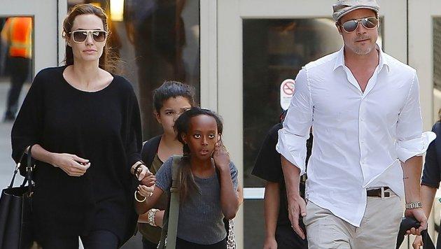 Angelina Jolie und Brad Pitt mit Tochter Zahara (Bild: Viennareport)