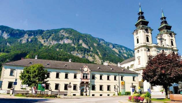 Das alterwürdige Stift liegt inmitten von malerischen Bergen in Spital am Pyhrn. (Bild: JUFA)