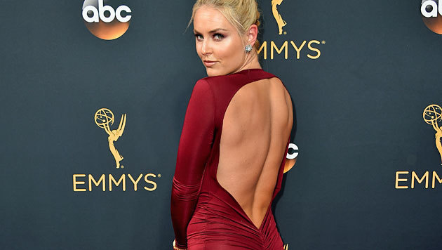 """Lindseys Rücken tut entzücken: Ski-Queen Vonn bei den """"Primetime Emmy Awards"""" in Los Angeles (Bild: Jordan Strauss/Invision/AP)"""