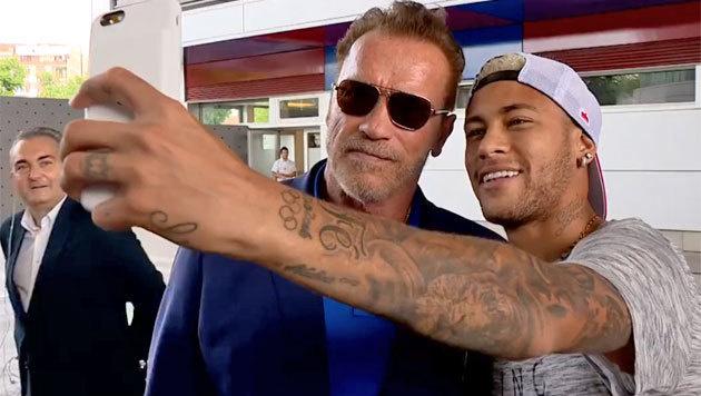 Neymar mit der steirischen Eiche Arnold Schwarzenegger (Bild: Facebook.com)