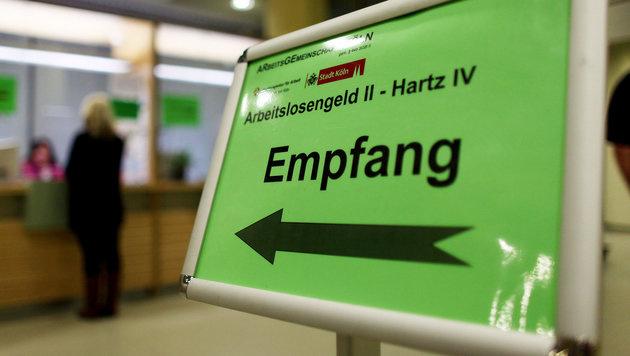 """""""Hartz IV für alle Flüchtlinge in Deutschland"""" (Bild: dpa)"""