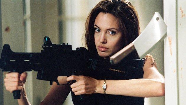 """Angelina Jolie in einer Szene von """"Mr. and Mrs. Smith"""" (Bild: CapFSD/face to face)"""