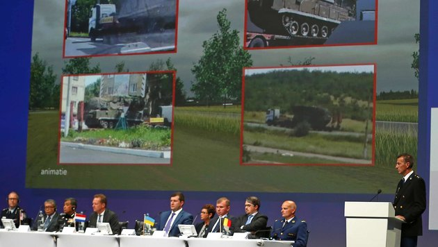 Ermittler Wilbert Paulissen bei der Präsentation der Ergebnisse (Bild: AP)