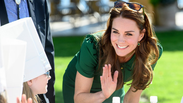Herzogin Kate begrüßt Kinder bei einem Food-Festival in Kanada (Bild: Viennareport)