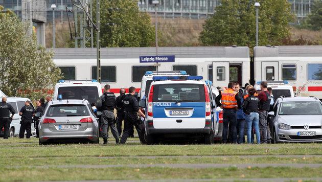 IC-Zug mit 350 Reisenden in Leipzig geräumt (Bild: APA/dpa/Sebastian Willnow)