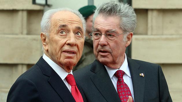 Peres-Tod: Fischer kehrt aus Polit-Pension zur�ck (Bild: AP)