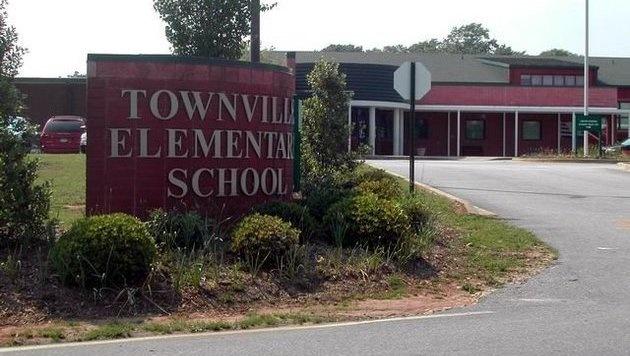 Die Townville Elementary School (Bild: Twitter.com/KAGSnews)