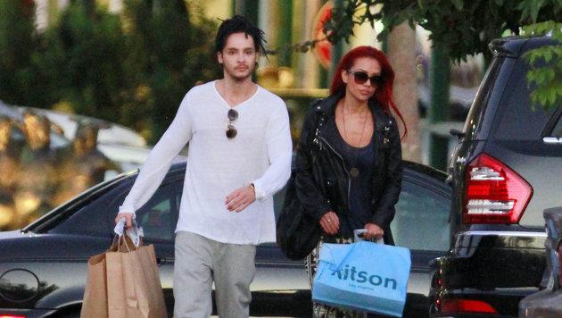 Tom Kaulitz im Jahr 2012 mit Ria Sommerfeld in Los Angeles. (Bild: Viennareport)