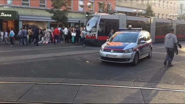 Amokfahrt mitten in Wien: 21-Jähriger festgenommen (Bild: Andi Schiel)