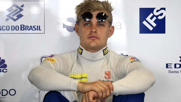 F1-Pilot Ericsson stürzt bei Kollision mit Huhn (Bild: APA/AFP/GABRIEL BOUYS)