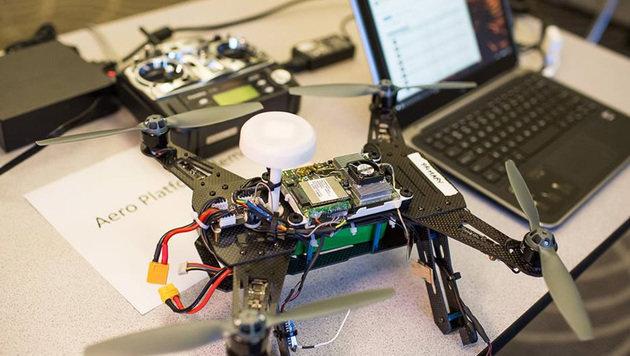 Project Aero liefert ein smartes Drohnen-Komplettpaket, das nur mehr programmiert werden muss. (Bild: Intel)