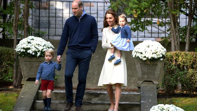 Prinz William und Herzogin Kate mit George und Charlotte (Bild: AP)
