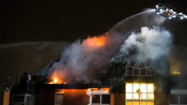 Das Feuer brach in einem der Patientenzimmer aus. (Bild: EPA)