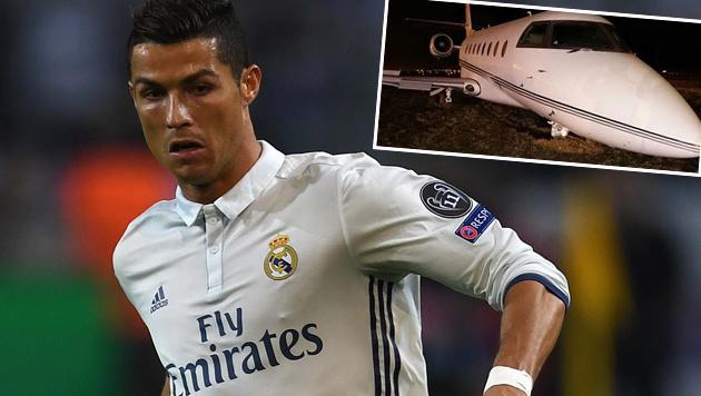 Ronaldos Privatjet crasht bei Landung in Barcelona (Bild: APA/AFP/PATRIK STOLLARZ, twitter.com)