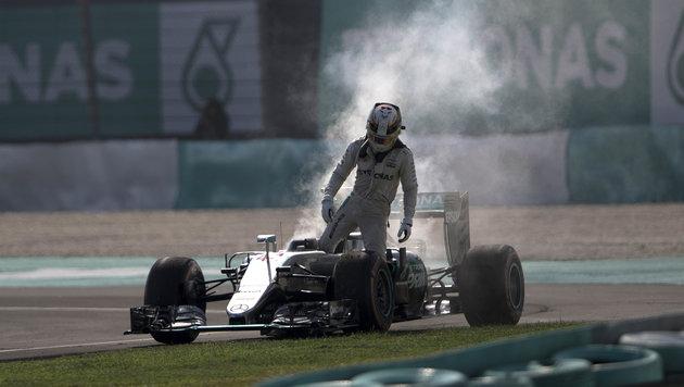 Feuer bei Hamilton! Drama bei Erfolg von Ricciardo (Bild: AP)