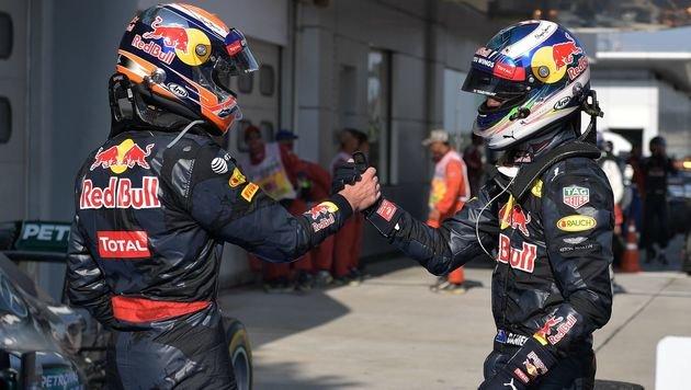 Feuer bei Hamilton! Drama bei Erfolg von Ricciardo (Bild: APA/AFP/MOHD RASFAN)