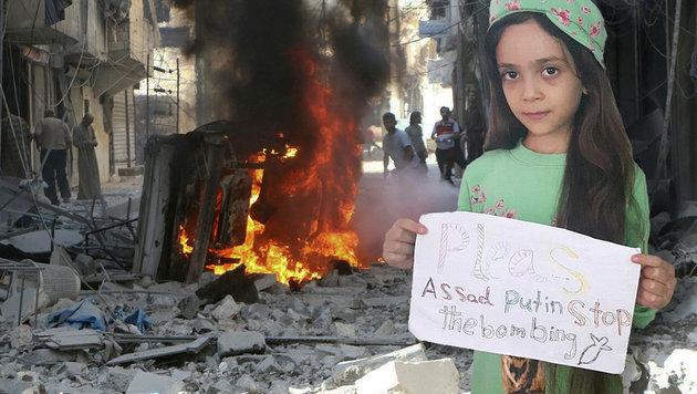 Dieses Mädchen twittert aus der Kriegshölle von Aleppo. (Bild: Twitter.com/AlabedBana, AP)