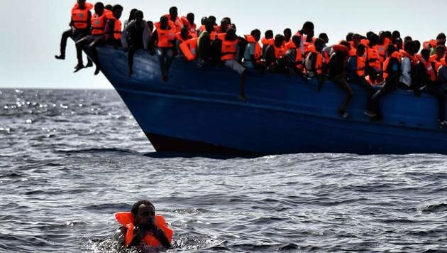 Italien: 5600 Flüchtlinge im Mittelmeer gerettet (Bild: AFP)