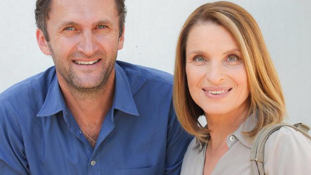 Regisseur Helmut Manninger und Barbara Stöckl (Bild: ORF)